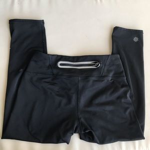 SALE Athleta | XS Cropped legging
